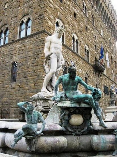 Neptune's Fountain in Florence, Italy22