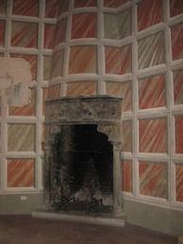 The fireplace dating back to 1512 in Poppi Castle